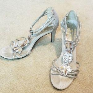 Fancy silver lame' heels